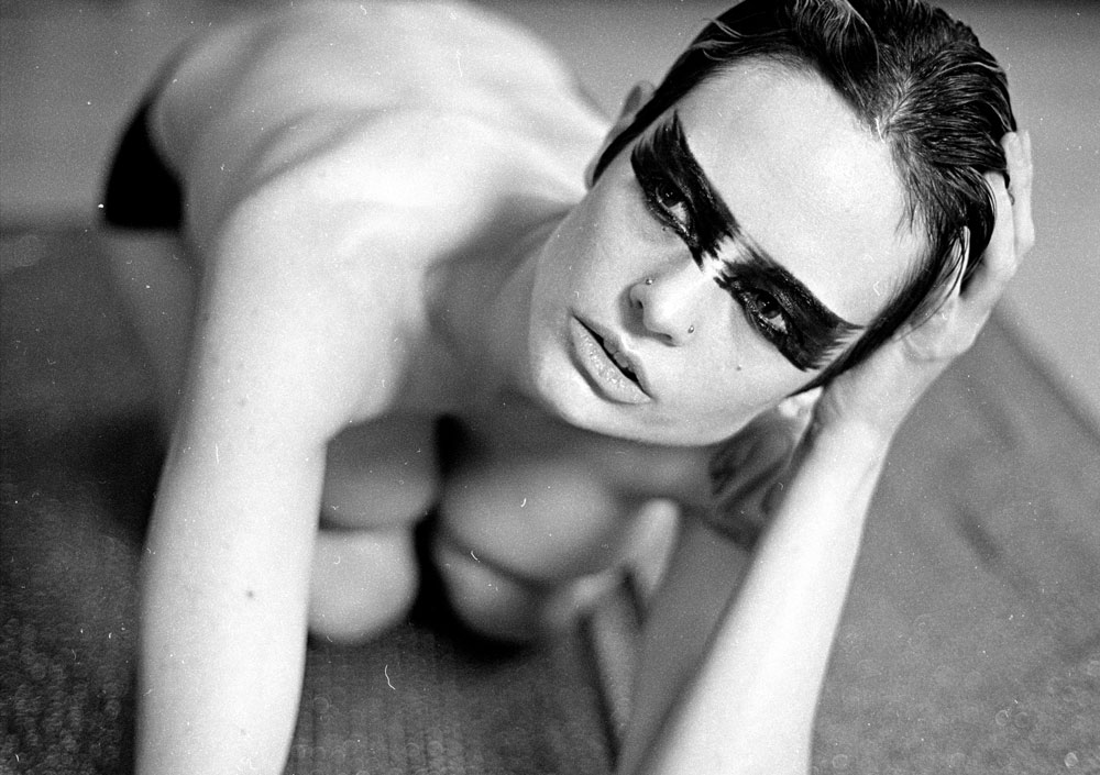 henna nude model